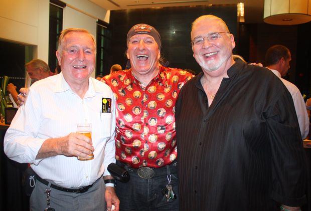(Von links) Erle Kershaw, Richy Rhodes und Snowman.