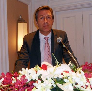 Seine Exzellenz, Botschafter Enno Drofenik, bei seiner Ansprache.
