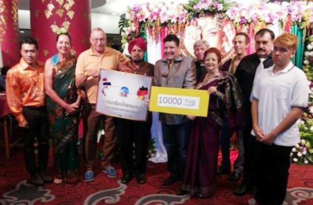 Die Phuen Thai-German Gruppe spendierte 10.000 Baht für den guten Zweck.