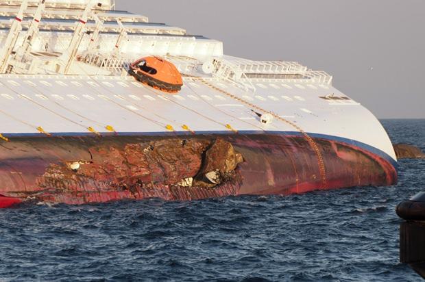 Die Concordia nach dem Unglück. (Foto: Wikipedia)
