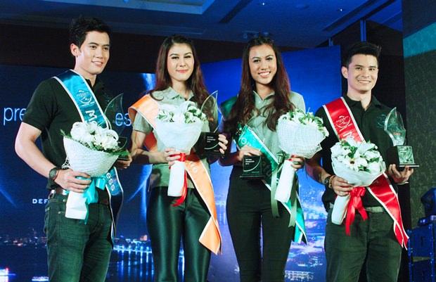 Die Sieger des Wettbewerbes: Thonabun Therdtraisorn, Pinicha Kijkasempongsa, Chawanya Thanomwong und Rachanont Srilabkhwa.