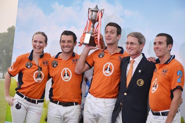 Das  Siegerteam mit Harald Link  (2. von rechts).