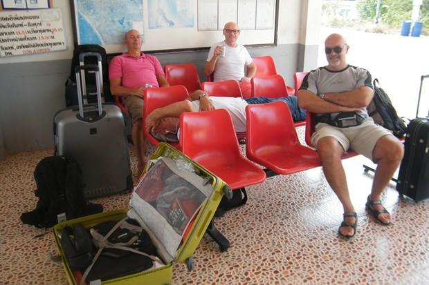 Der Wartesaal des Pattaya Bahnhofs.