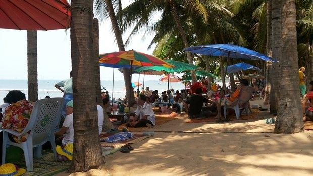 Der Strand von Bang Saray.
