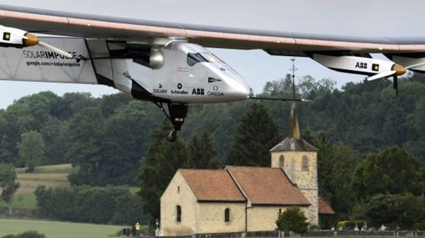 Das Solarflugzeug wird bald eine Weltumrundung machen.
