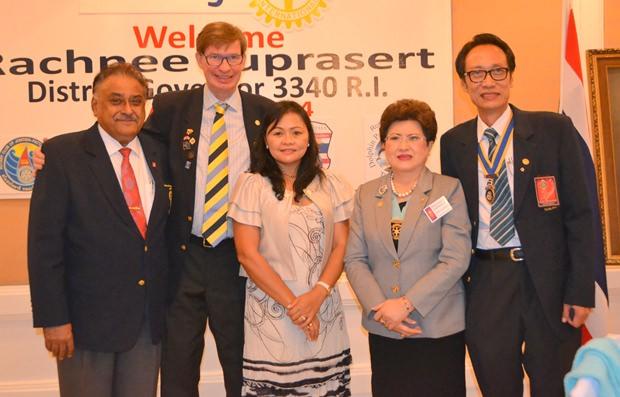 (Von rechts) Präsident Vutikorn Kamolchote, Bezirksgouverneurin Rachnee Euprasert, Jan Olav Aamlid und  Pratheep Malhotra.
