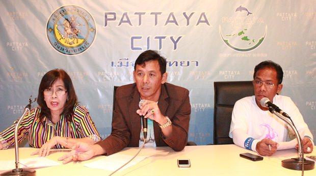 Metharak Suntharod, der Präsident der Walking Street Gemeinschaft hat den Vorsitz gemeinsam mit Vizepräsident Surin Yimyai und Schatzmeisterin Nari Seehmhok.
