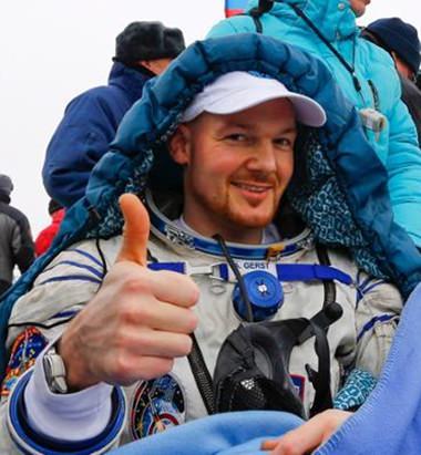 Der deutsche Astronaut nach der Landung.