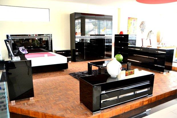 m bel vom feinsten werden im decorum angeboten pattaya blatt. Black Bedroom Furniture Sets. Home Design Ideas