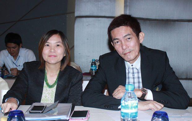 Thai Hotelverbandspräsident Sanphet Supabowornsathian und TAT Pattaya Direktorin Suladda Sarutilavan berichten über die momentane Tourismus Situation in Pattaya.