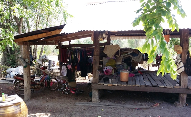 Eine der typischen Hütten, in denen die Kinder mit ihren Eltern hausen.