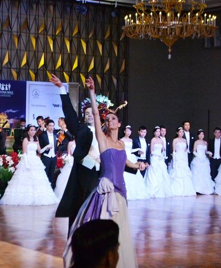 Die Balletttänzer Raffaela Pegani und Alexandru Tcacenco.