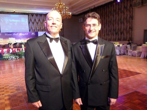 Der deutsche Botschafter Rolf Schulze mit seinem Kollegen aus Chile, Javier Becker. Übrigens wird Chile das neue Arbeitsfeld des deutschen Botschafters.