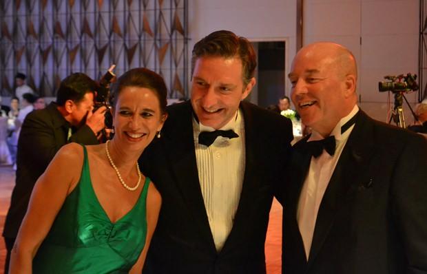 Gleich drei Exzellenzen auf einem Bild: (von links) die Schweizer Botschafterin Christine Schraner-Burgener, Österreichs Botschafter Mag. Enno Drofenik und der deutsche Botschafter Rolf Schulze.