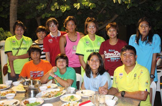 Das thailändische National-Frauenteam im Wasser-Polo.