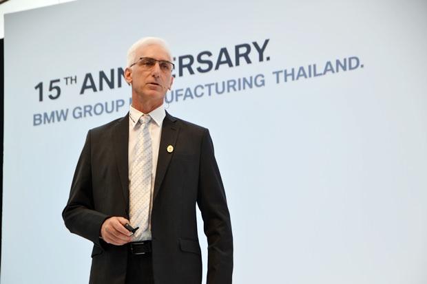 """Der geschäftsführende Direktor von BMW Thailand, Jeffrey Gaudiano: """"Dies ist wahrhaft ein historischer Moment für die BMW Gruppe Thailand""""."""