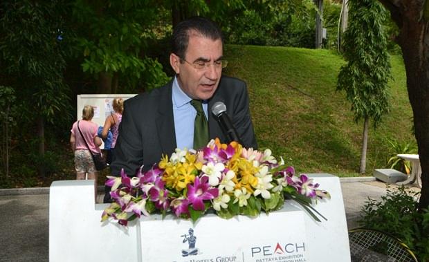 Generalmanager Antonello Passa,hat den Vorsitz bei dem Turnier.