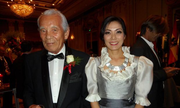Juri Sekiguchi-Drofenik mit ihrem Vater Iwao Sekiguchi.