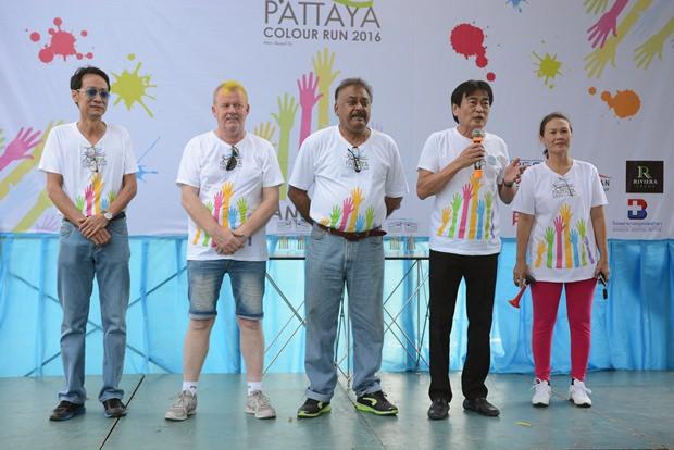 (Von links) die Hauptsponsoren des Event, Vuthikorn Kamolchote Gudmund Eiksund, Peter Malhotra und Ronakit Eaksingh.