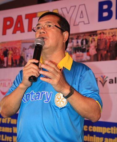 Vater Dr. Michael Pichan Jaiseree bedankte sich bei allen Teilnehmern und Unterstützern.