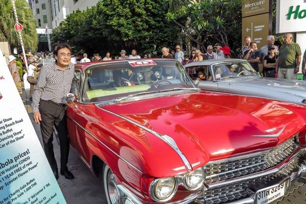 Vizebürgermeister Ronakit Ekhasing gefallen all die alten Autos.