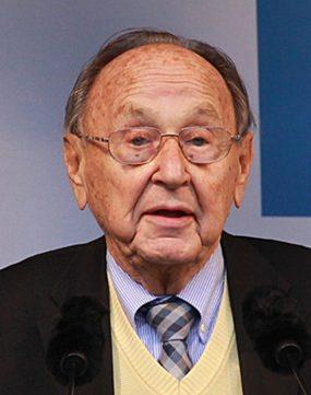 Hans-Dietrich Genscher im Jahr 2013 bei einem Fernsehinterview.