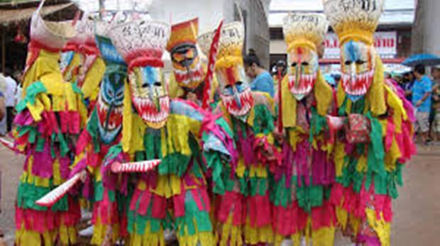 Das farbenfrohe Geisterfest von Loei.