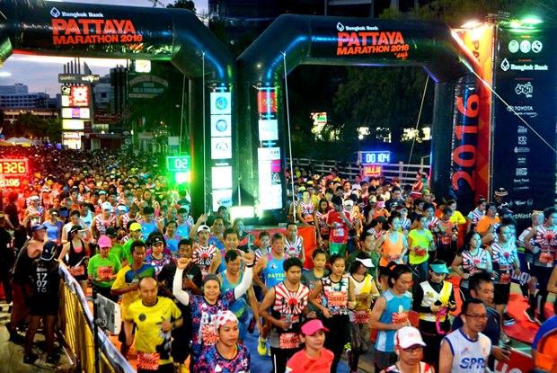 Das Halb-Marathon Rennen beginnt.