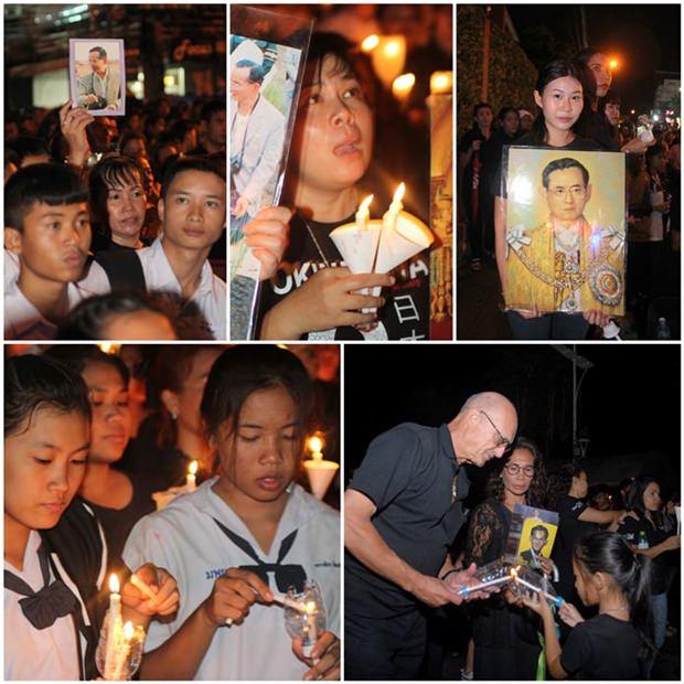 Menschen aller Schichten kommen zusammen um gemeinsam um ihren Vater, Seine Majestät König Bhumobol Adulyadej, zu trauern und schwören seinem Beispiel zu folgen und dem Land zu dienen.