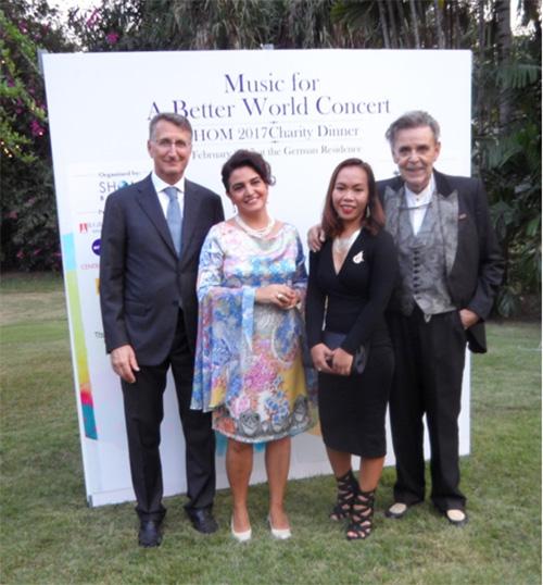 """veranstalten """"Ein Konzert für eine bessere Welt"""""""