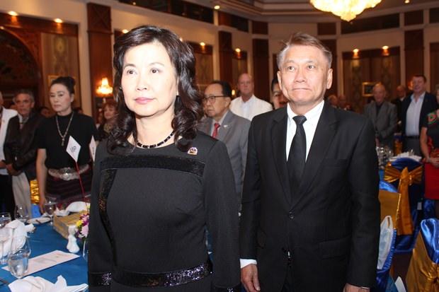 PDG Krai und PAG Rungnapha Tungsanga sind unter den Ehrengästen.