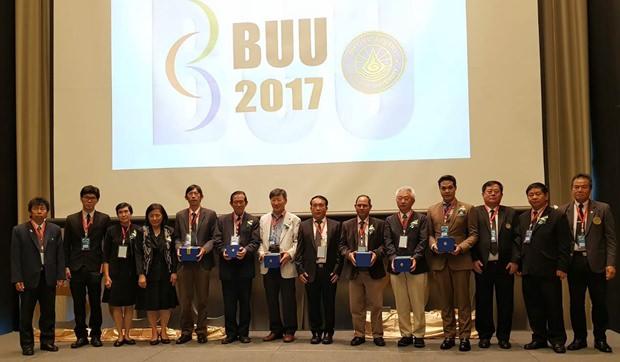100 Vorschläge wurden be idem Seminar erbracht um Thailand weiter zu entwickeln.