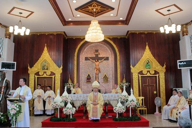 Die Heilige Messe wird gefeiert.