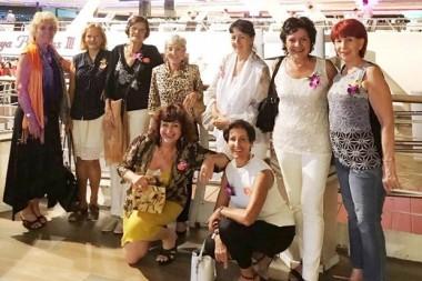 Gruppenbild vor der Chao Phraya Princess.