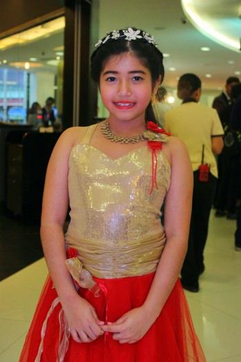 Fahana Malhotra in einem indischen Prinzessinnenkleid.