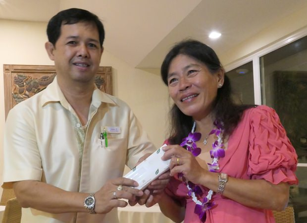 Auch vom Thai Garden erhielt Ket ein Geschenk.