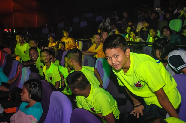 Die 80 Kinder des Baan Jing Jai genossen das Konzert sehr.