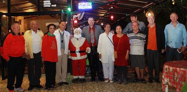 Der Rotary Club Pattaya veranstaltete sein jährliches Weihnachtsfest im Prem's Garden.