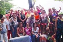 Gruppenfoto von allen anwesenden 'Hippies'.