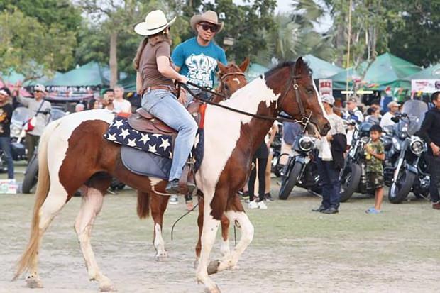 Möchte jemand am Cowboy Ritt teilnehmen?