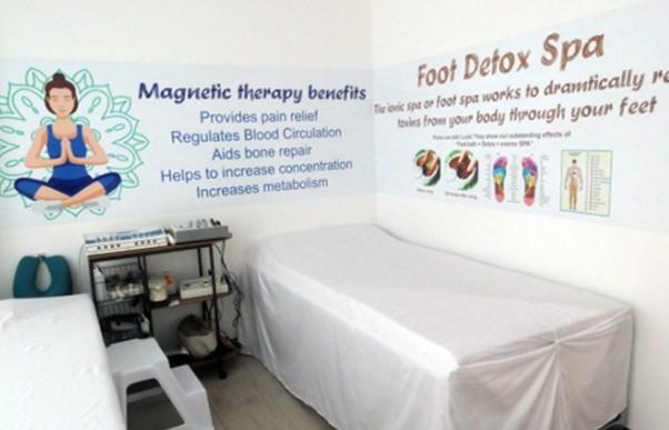 Eines der Behandlungszimmer des Biomagnetic Wellness-Centers.