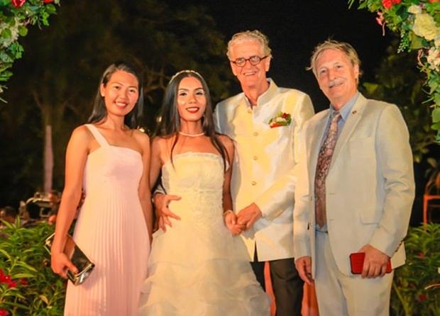 Die Ehepaar mit Gigi und Michael Wünsche.