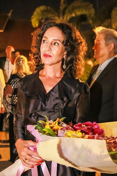 Schön wie immer: Anselma Niehaus wartet darauf die Botschafterin zu begrüßen.