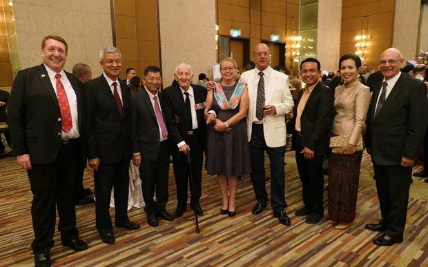 Die Pattaya VIPs mit Pattaya Bügern im Gespräch