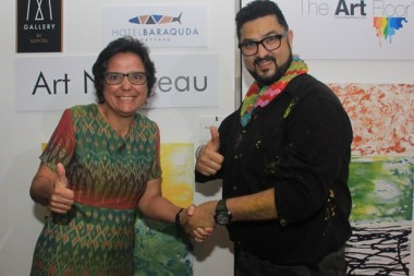 Margaret Grainger und Dashmeet Singh arbeiten Hand in Hand für die Wohltätigkeit.