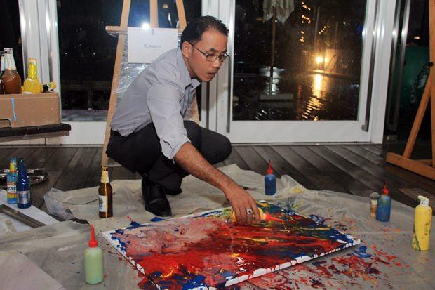 Mana Yaprakam zeigt seine malerischen Künste.