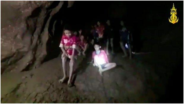 Erste Aufnahmen aus der Höhle. (Bild: AP)