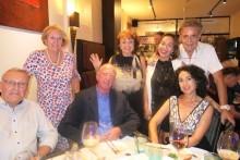 (Von links sitzend) Eberhard Podleska, Gerrit Niehaus und Anselma Niehaus. (Von links stehend (Monika Podleska, Elfi Seittz, Bo Somkram und Axel Brauer.