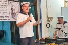 See(len)mann Pfarrer Leuschner bei seiner Begrüßungsansprache.
