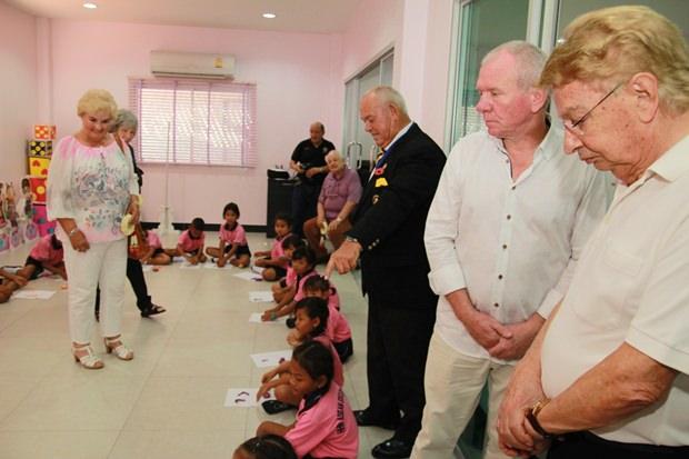 Die Gästen nahmen an den Lehrstunden der Kinder teil.